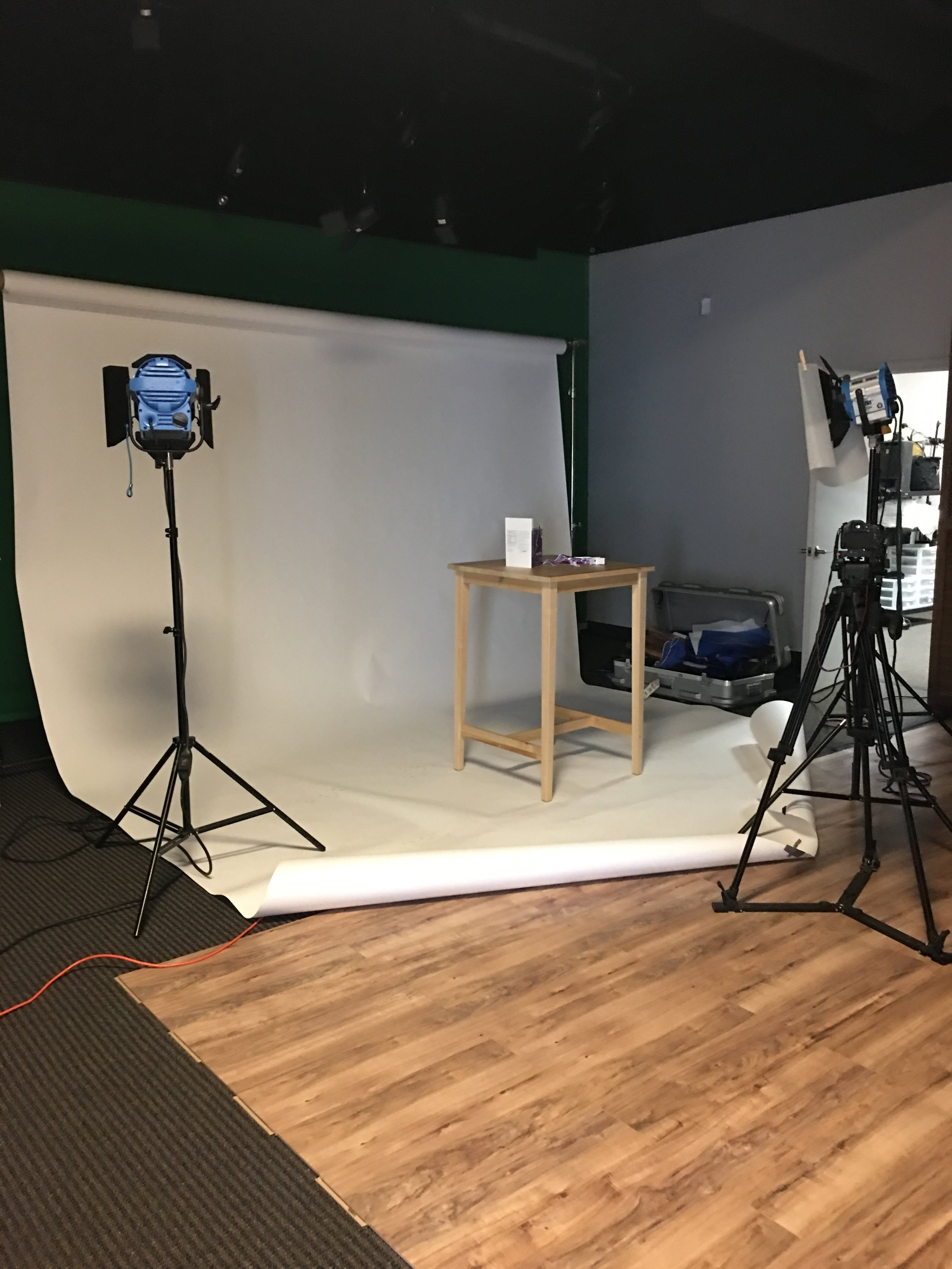 One of our members used a provided white paper backdrop as opposed to the muslin for a product shoot. (The table is also provided.)