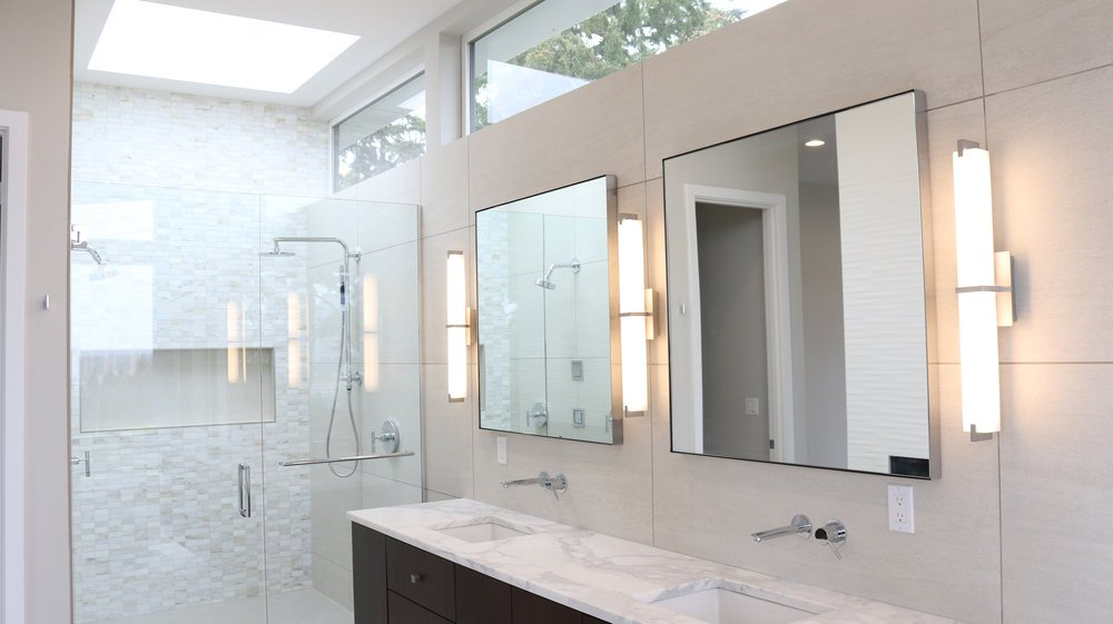 Bellevue+High+End+Shower+%26+Mirror+%28edit%29.jpg