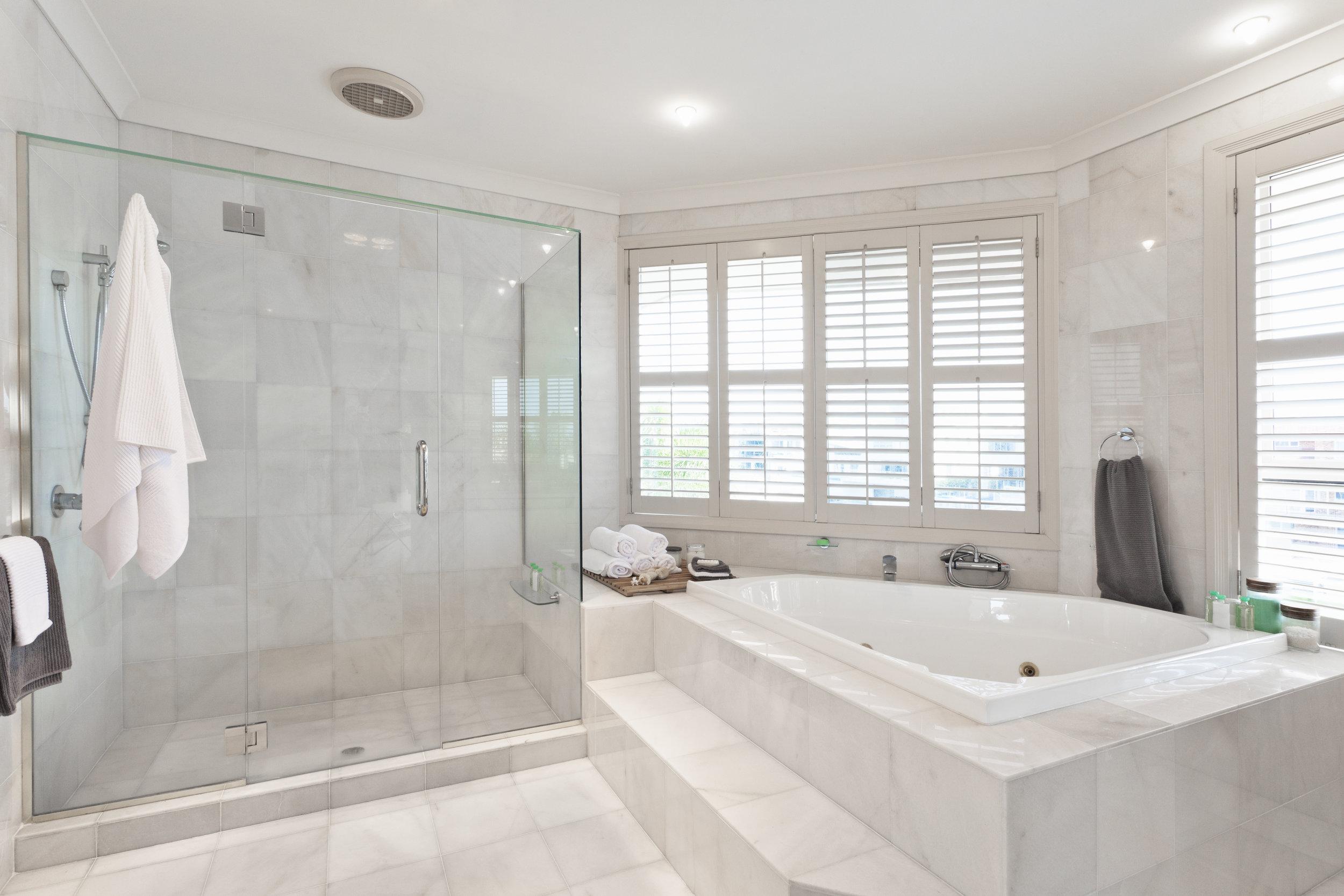 Kartak Shower Enclosure.jpg