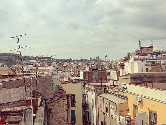 El Raval #morning #elraval #barcelona #balconybarcelona #balconybcn #bcn #buildings #rooftop