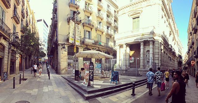Barrio gótico #barcelona #summer #buildings #architecture #design #balconybcn #bcn #barriogotico