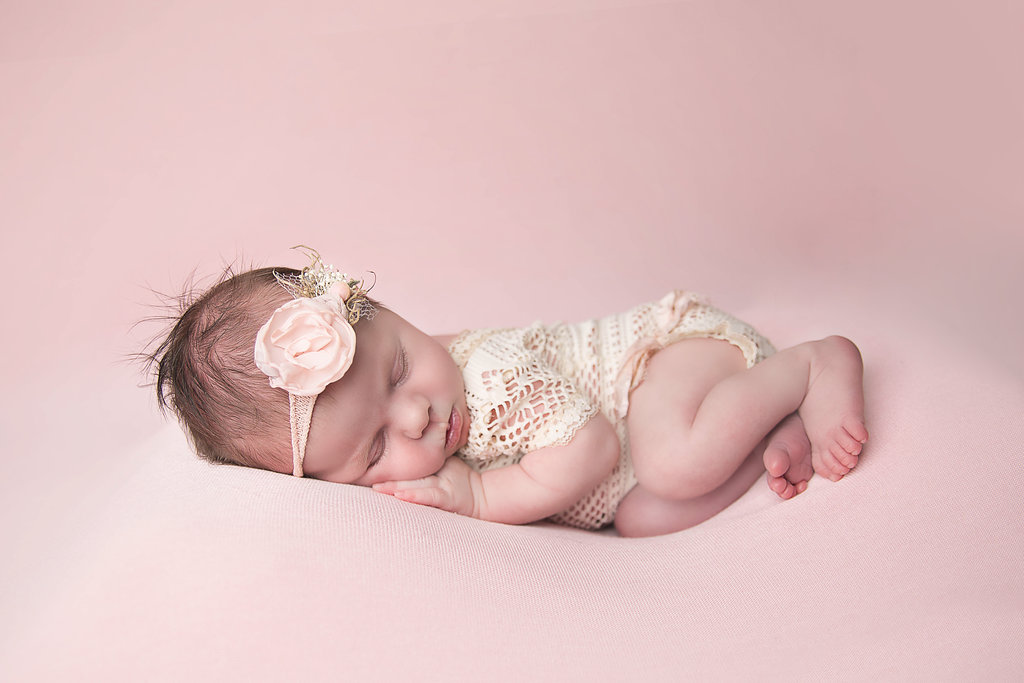 Live Love Blank, Grayson's Newborn Photoshoot and working with an artist, shannon lee photography, www.shannonleephotography.com Newborn photos, family photography, 2 weeks old www.liveloveblank.com photoshoot props
