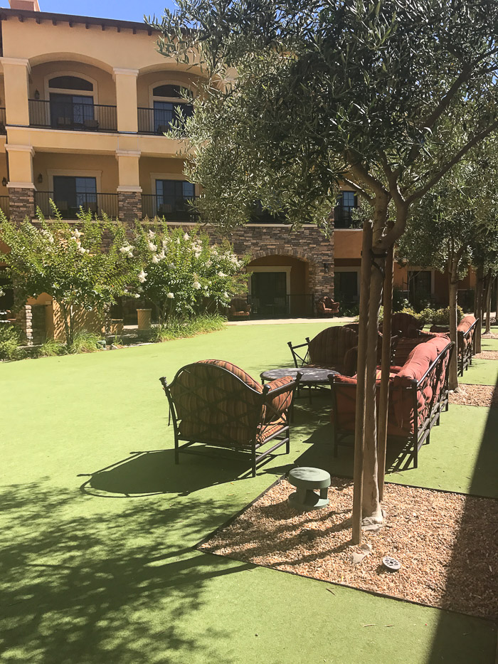 The resort has such cute little sitting areas throughout like this...so charming and lovely