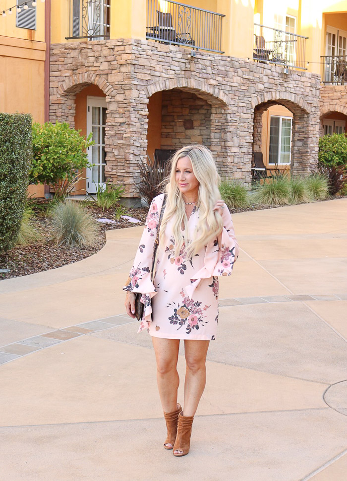 Obsessing over this easy dress...linking everythign below...so much easy to take a pic solo...ha!