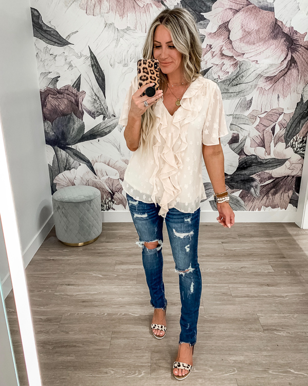 Live Love Blank, liveloveblank.com, Closet Candy Boutique, 4th of July looks, Fashion stylist blogger, Outfit of the Day OOTD for casual style, mom style mom blogger