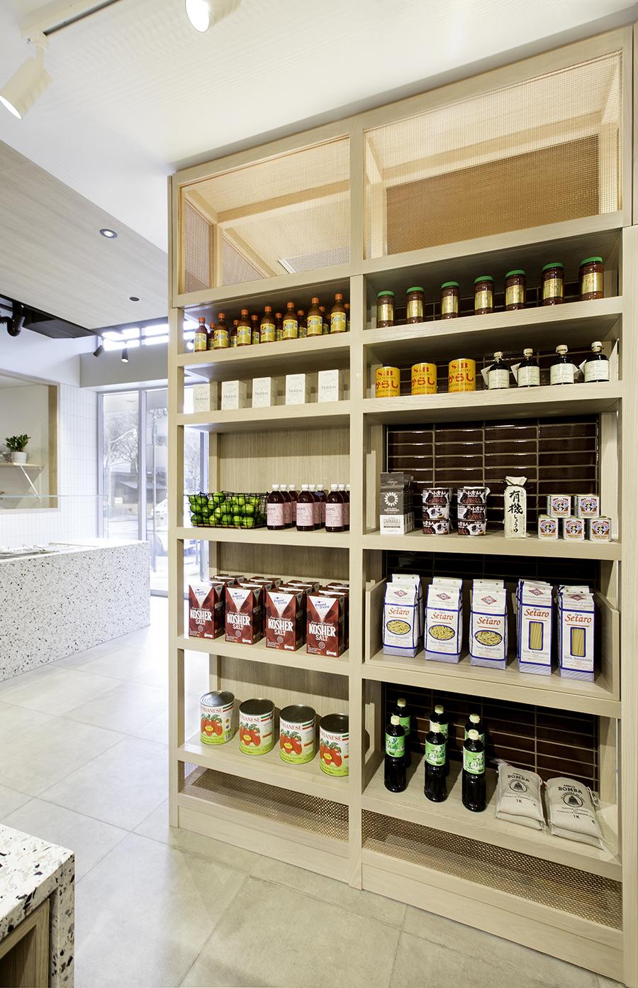 5_fleets-food-retail-display.jpg
