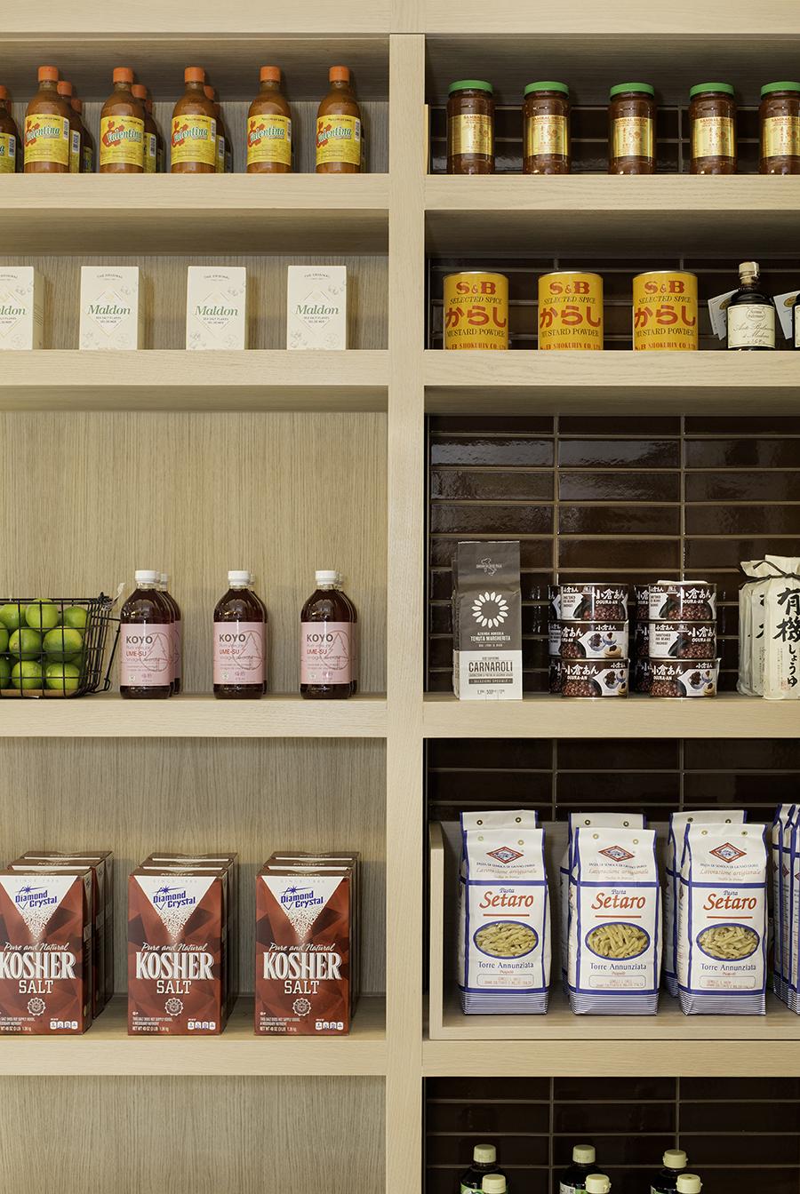 10_fleets-food-retail-display-detail-2.jpg