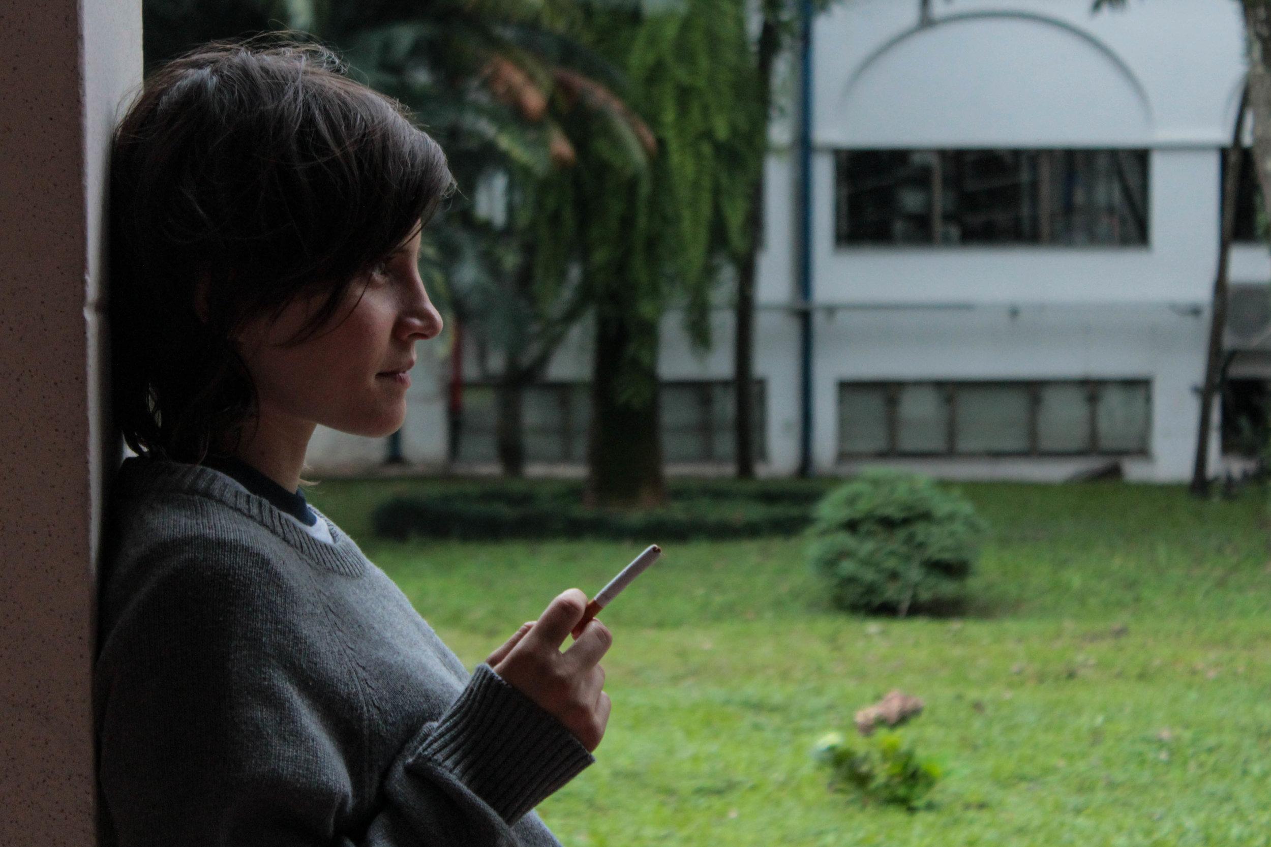 a menina sem qualidades - still da série de felipe hirsch produzida pela MTV Brasil