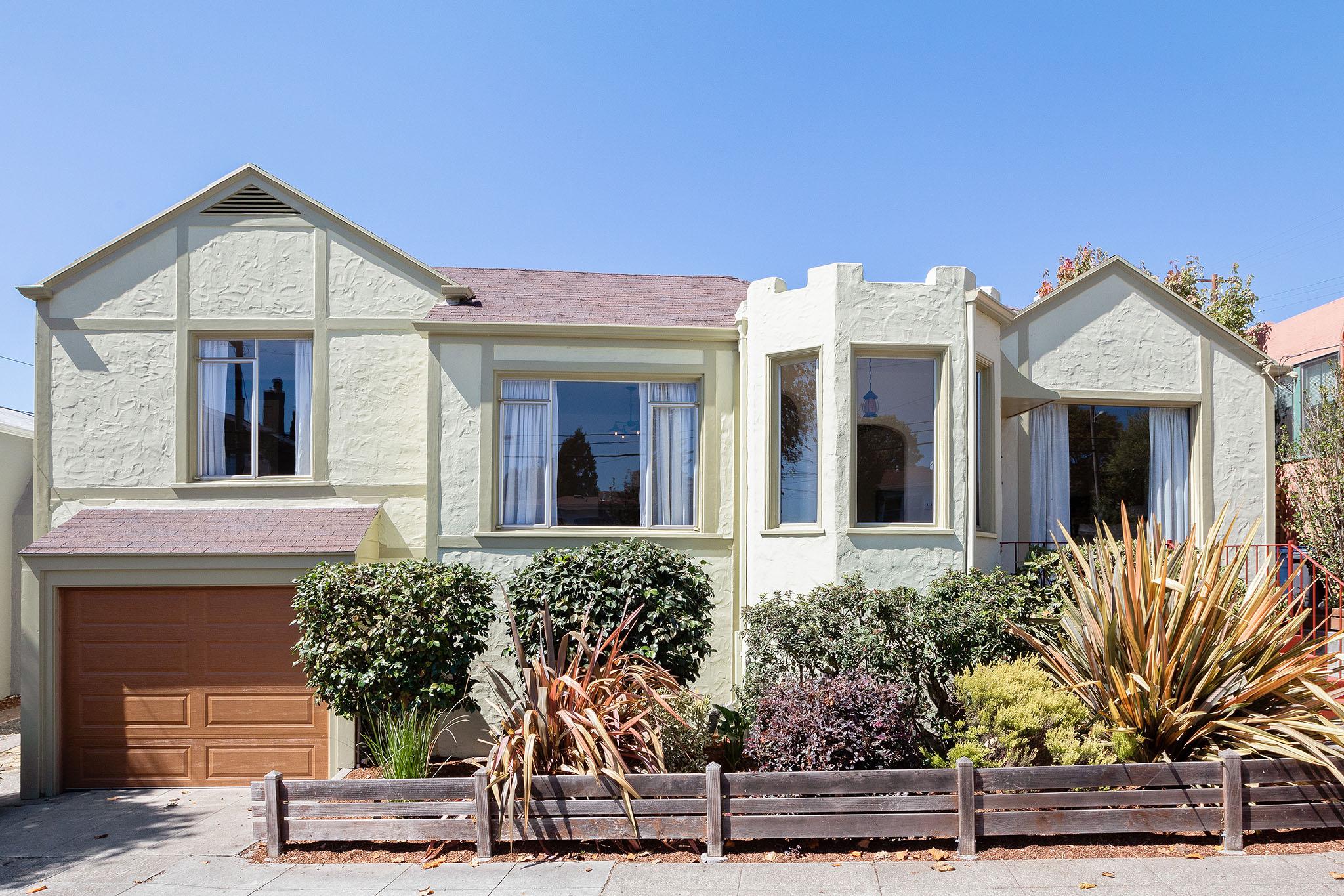 1186 Monterey Ave, Berkeley, CA 94707