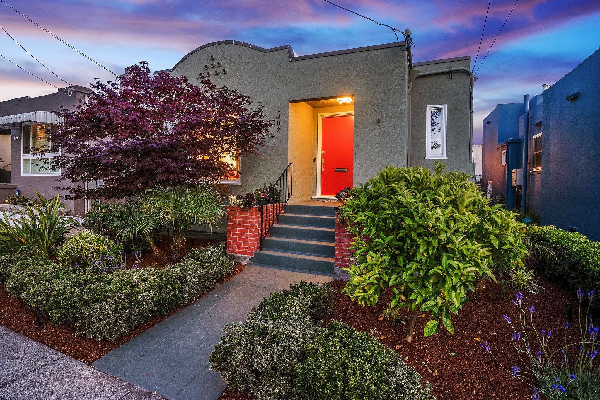 1302 Russell St, Berkeley, CA 94702