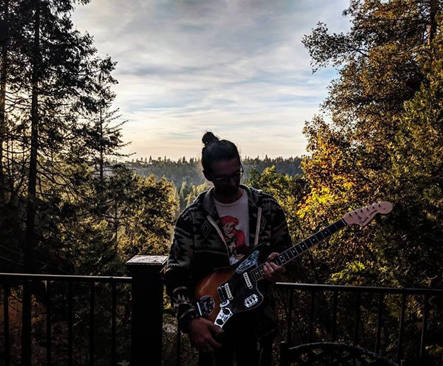 Playing some #guitars in the #forest and listening to #aladdinsane w @pj.bottomless.  Have you checked out #theroadmaster video yet?  #linkinbio #saxman