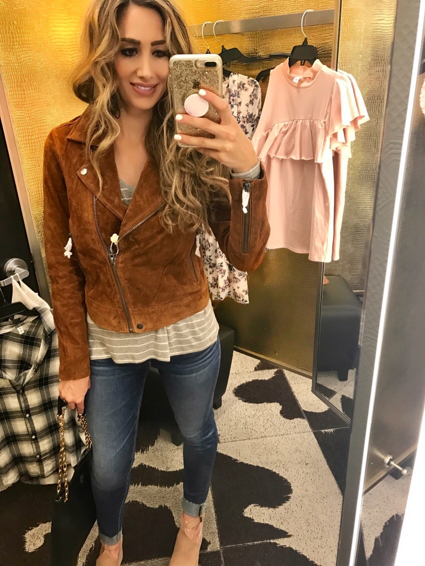 Jacket Small, Top XS, Jeans 26, Shoes (not included on sale) 7.5,Bag one size fits all ;)