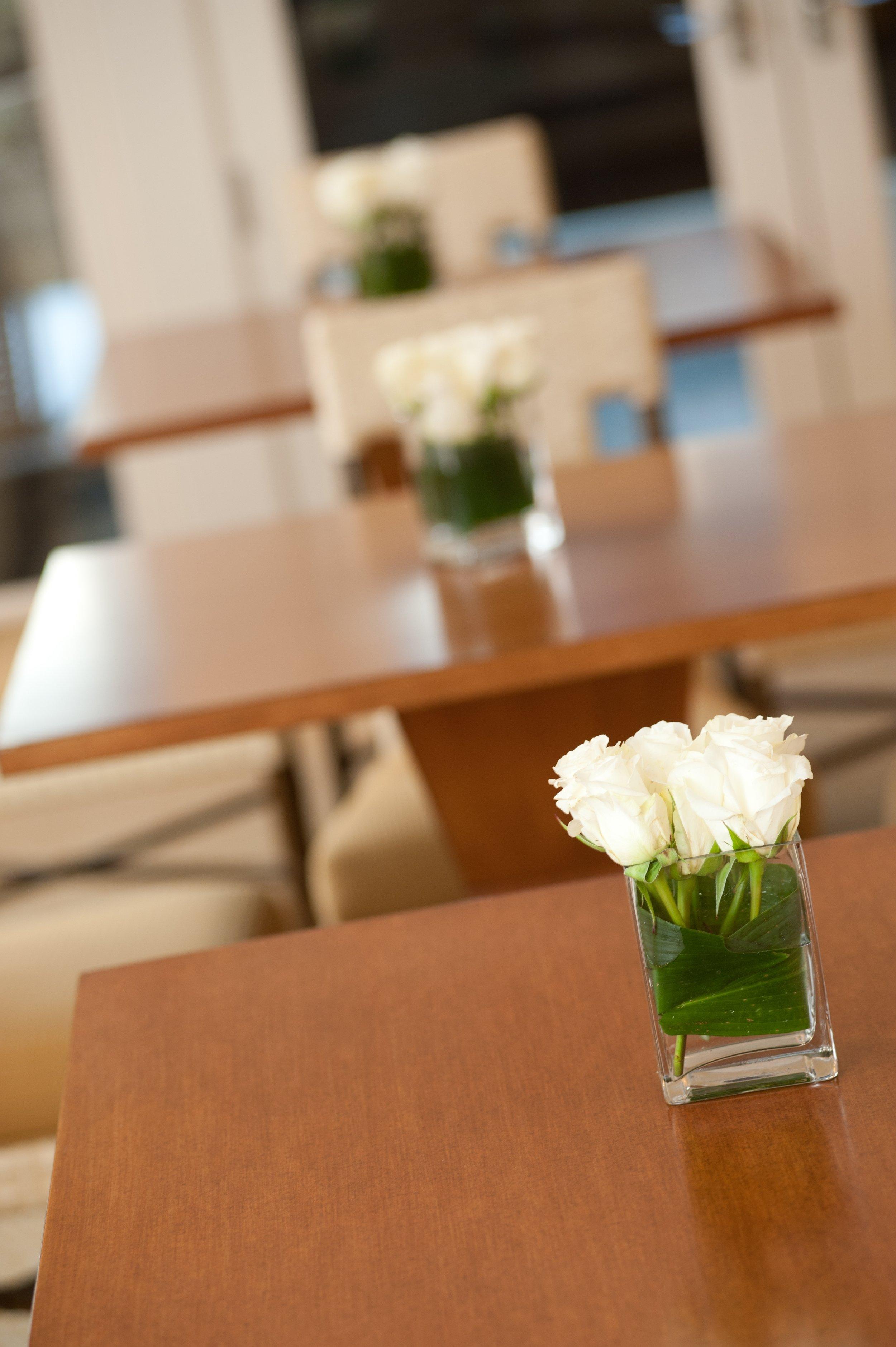 roses on tables.JPG