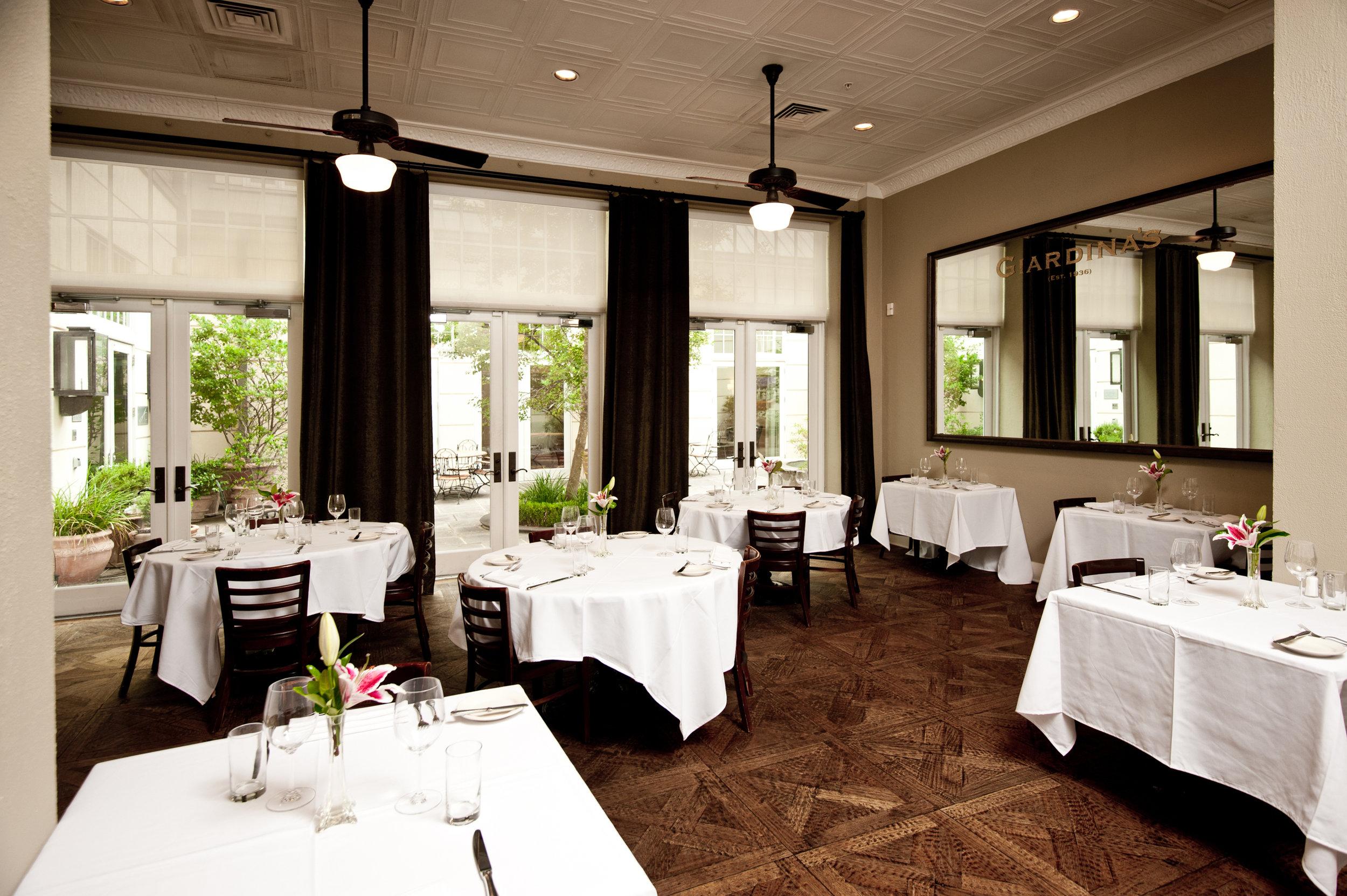 Giadinas dining room2.JPG