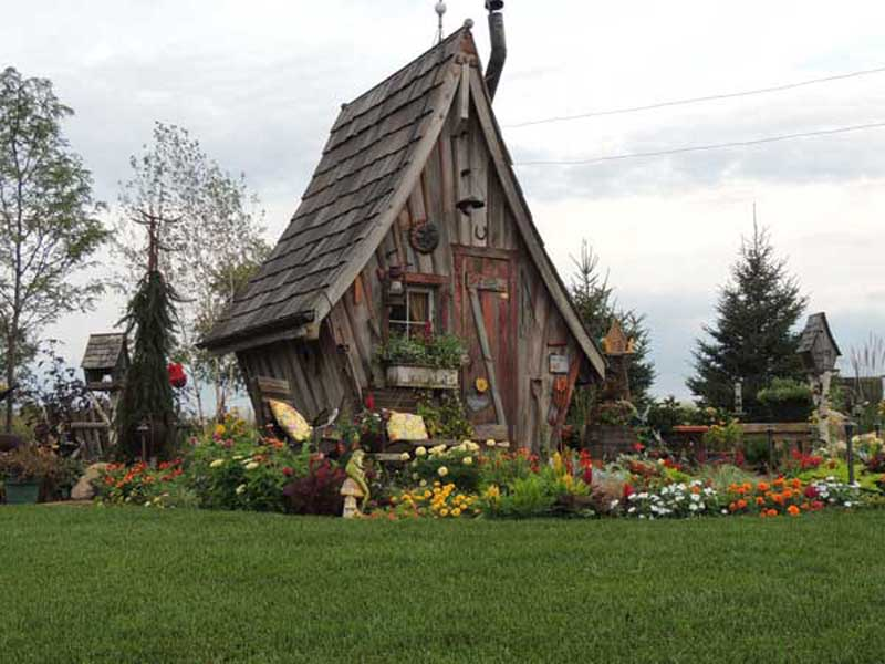 Fairy-Tale-Cabins-3-08042015.jpg