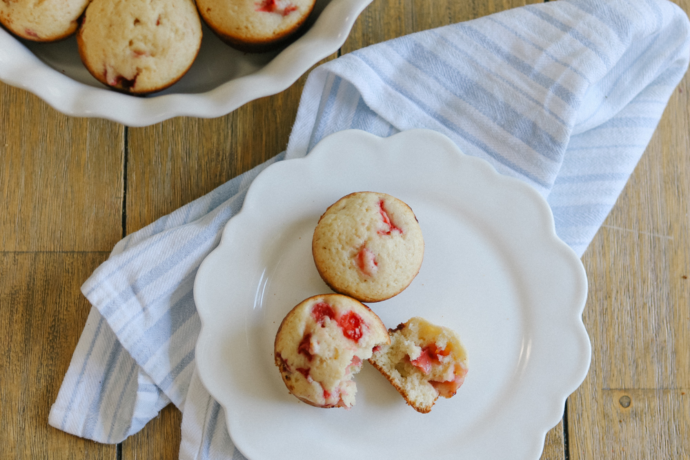 strawberry muffins  (14 of 16).jpg