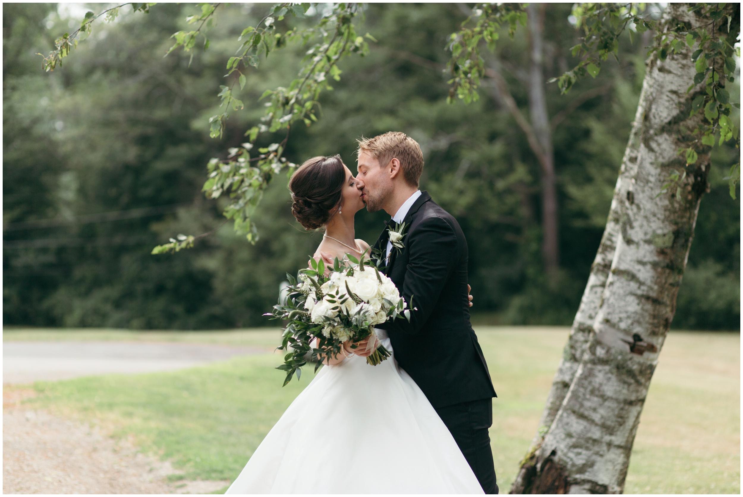 Willowdale-Estate-Wedding-Bailey-Q-Photo-Boston-Wedding-Photographer-011.JPG