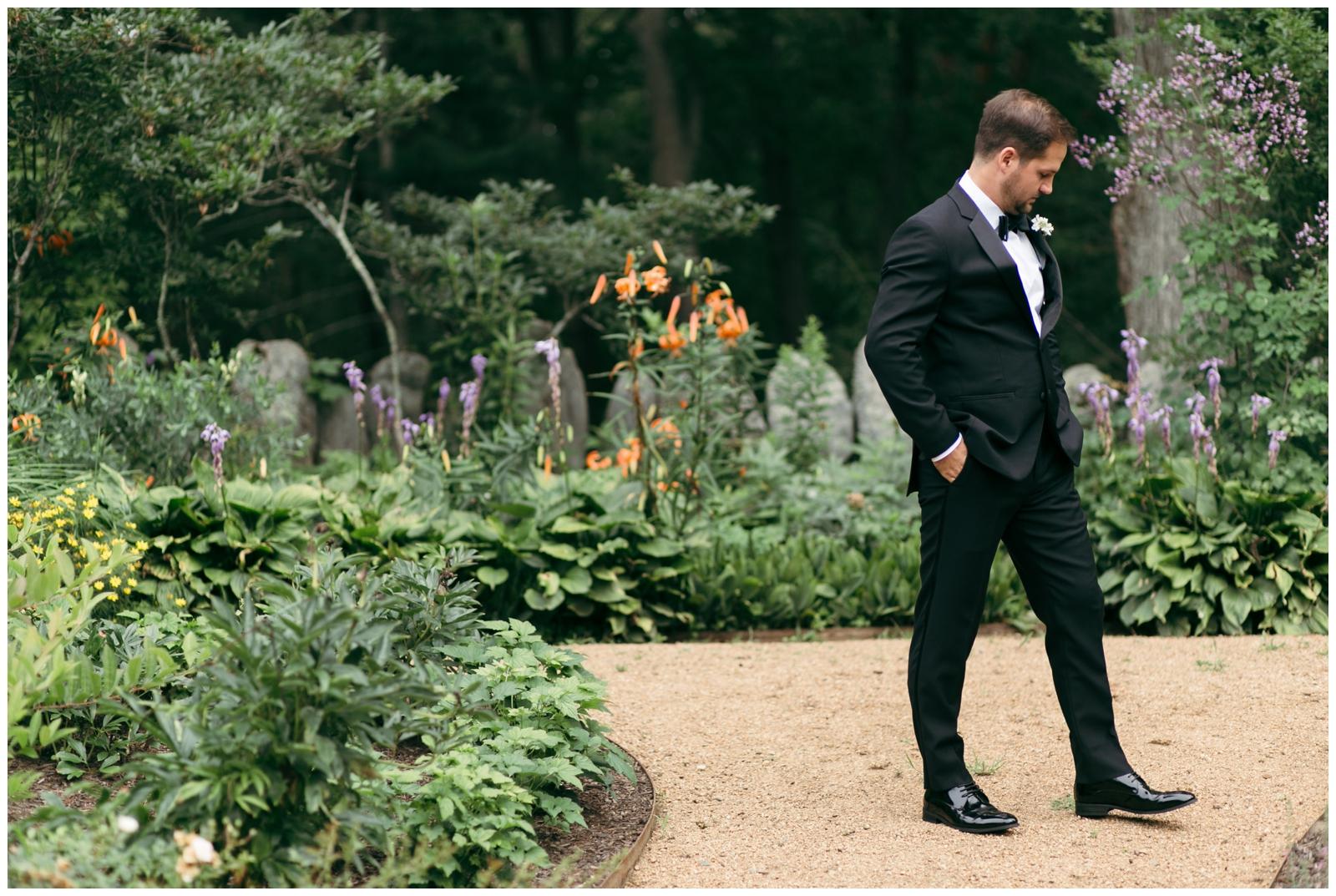 Moraine-Farm-wedding-Bailey-Q-Photo-Massachusetts-wedding-photpgrapher-014.jpg