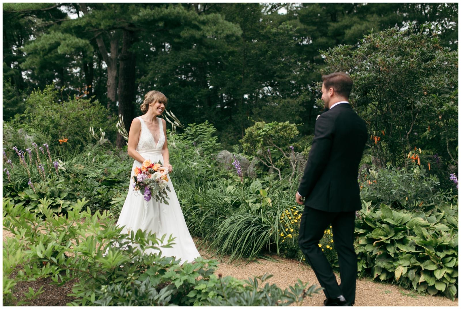 Moraine-Farm-wedding-Bailey-Q-Photo-Massachusetts-wedding-photpgrapher-016.jpg
