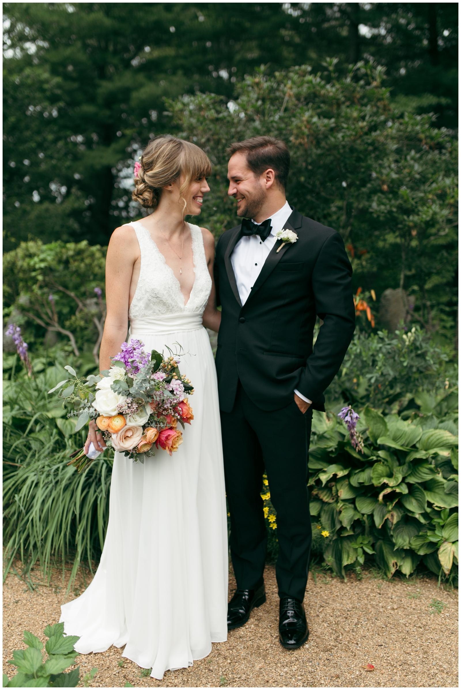 Moraine-Farm-wedding-Bailey-Q-Photo-Massachusetts-wedding-photpgrapher-022.jpg