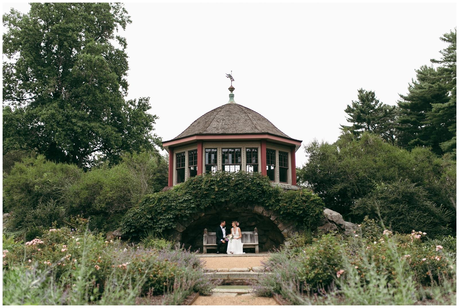 Moraine-Farm-wedding-Bailey-Q-Photo-Massachusetts-wedding-photpgrapher-024.jpg
