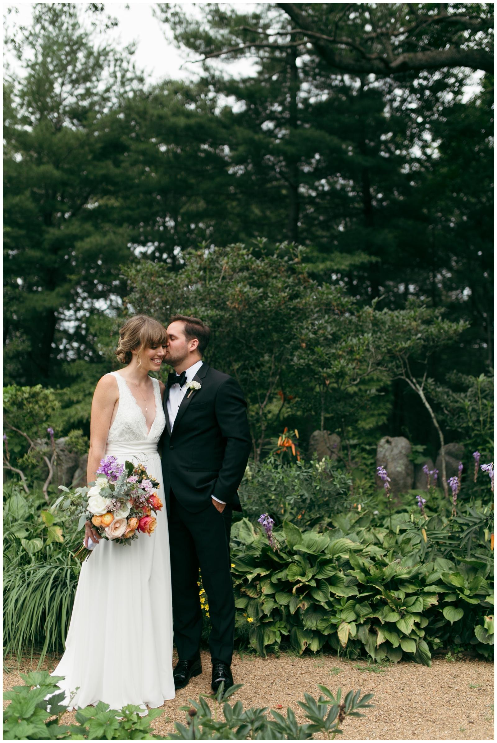 Moraine-Farm-wedding-Bailey-Q-Photo-Massachusetts-wedding-photpgrapher-020.jpg