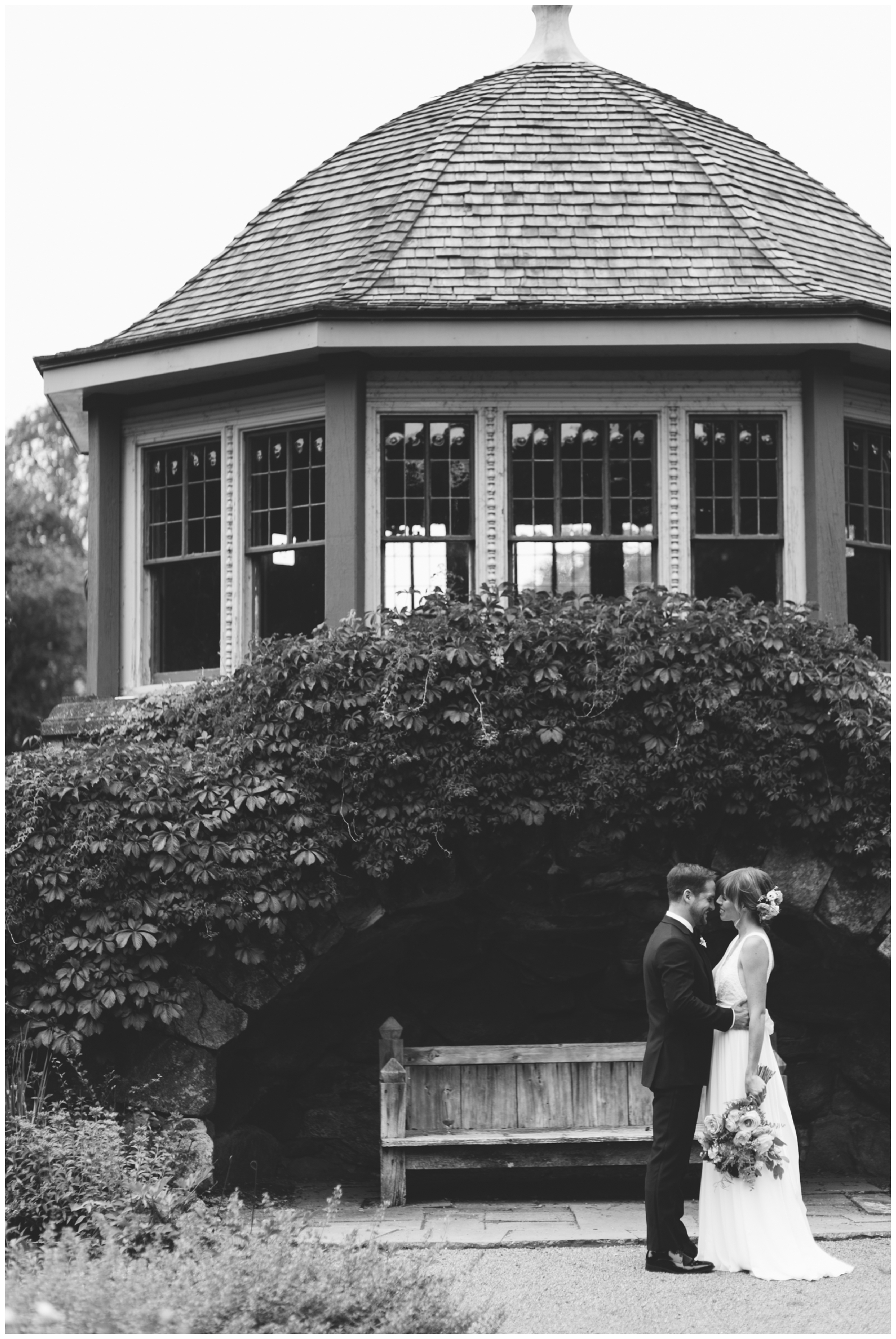 Moraine-Farm-wedding-Bailey-Q-Photo-Massachusetts-wedding-photpgrapher-025.jpg