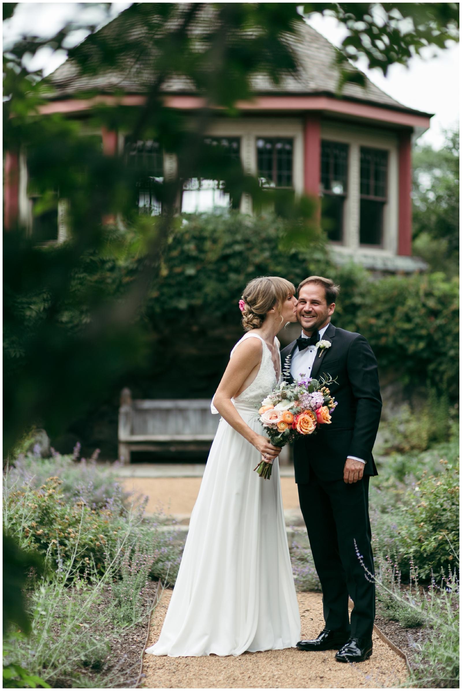 Moraine-Farm-wedding-Bailey-Q-Photo-Massachusetts-wedding-photpgrapher-028.jpg