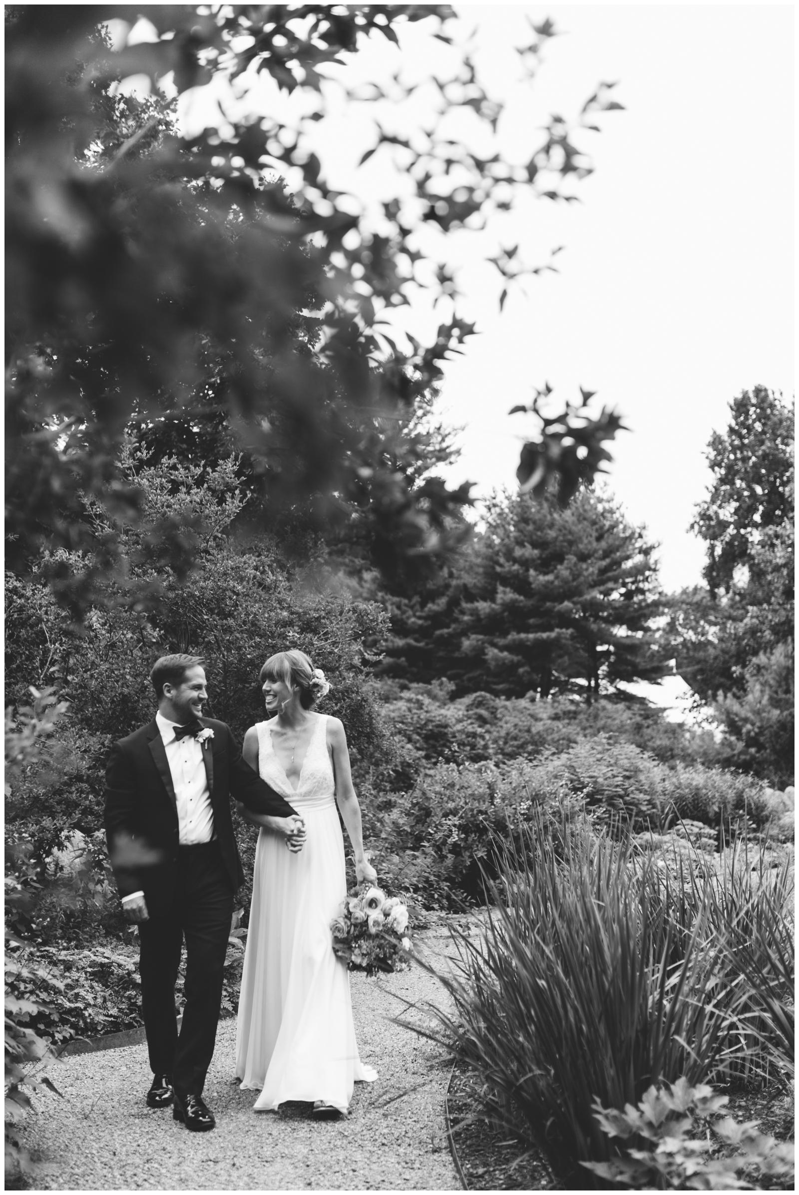 Moraine-Farm-wedding-Bailey-Q-Photo-Massachusetts-wedding-photpgrapher-029.jpg