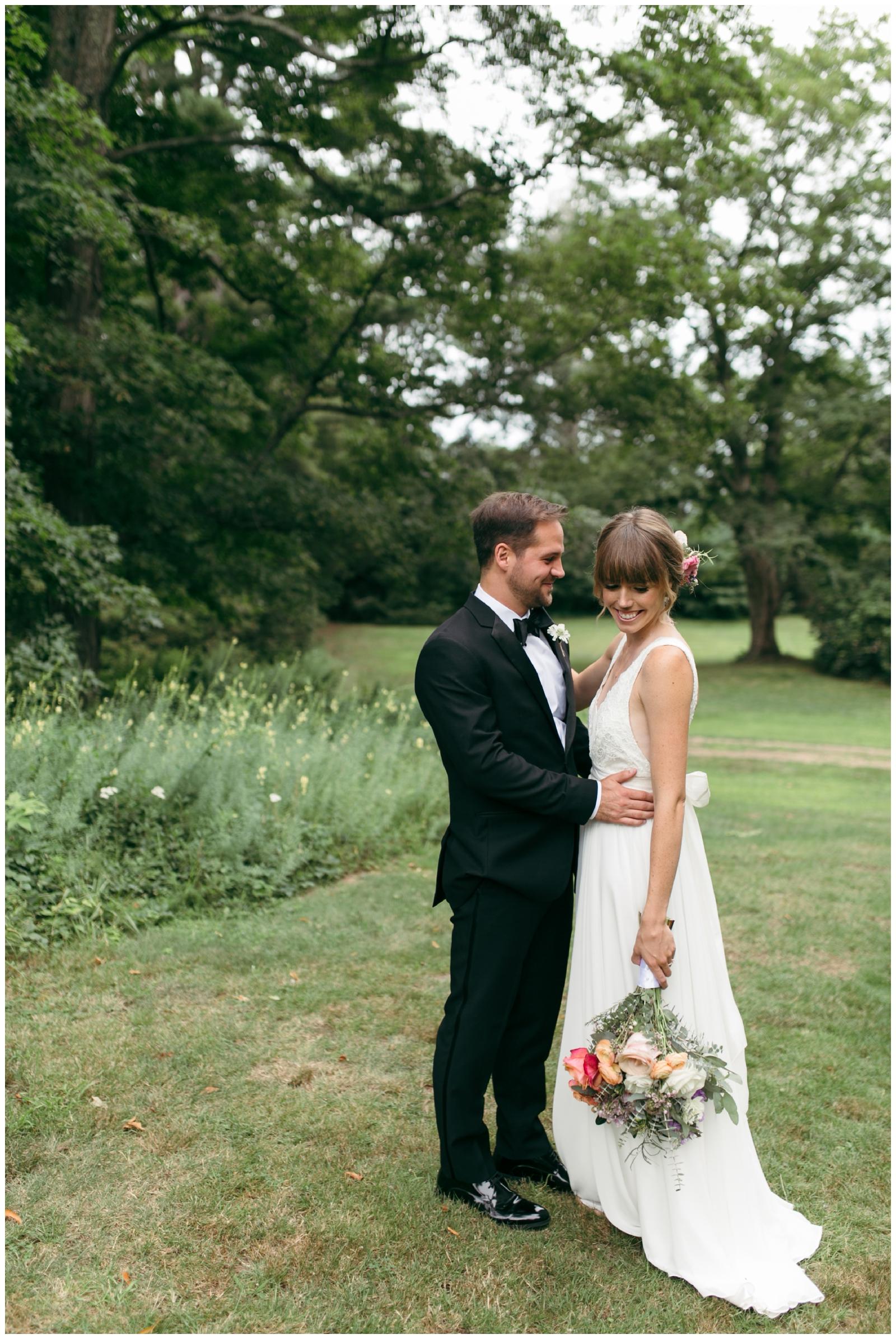 Moraine-Farm-wedding-Bailey-Q-Photo-Massachusetts-wedding-photpgrapher-032.jpg