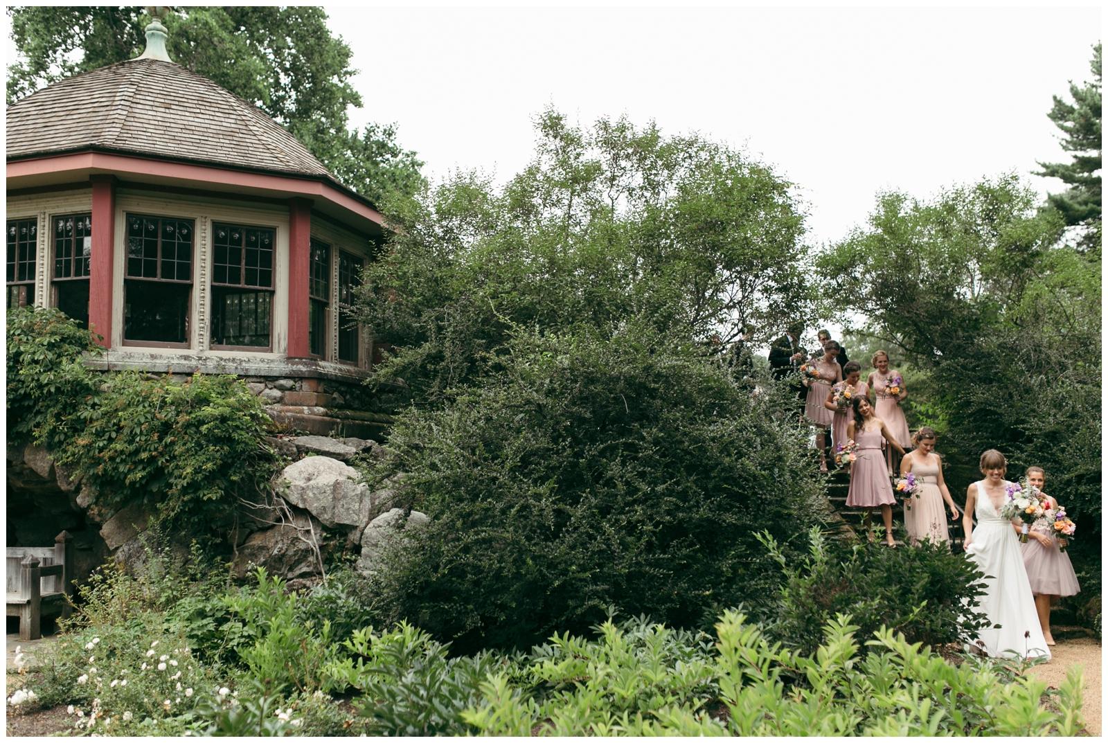 Moraine-Farm-wedding-Bailey-Q-Photo-Massachusetts-wedding-photpgrapher-033.jpg