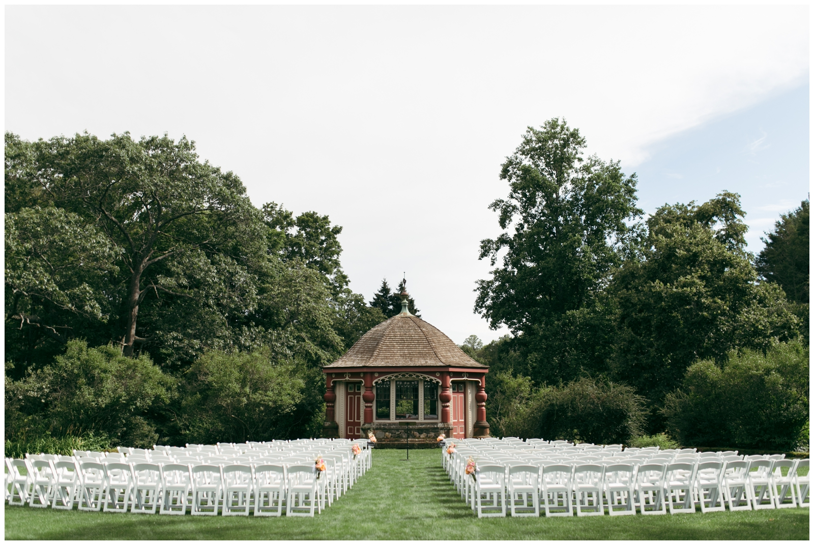 Moraine-Farm-wedding-Bailey-Q-Photo-Massachusetts-wedding-photpgrapher-049.jpg