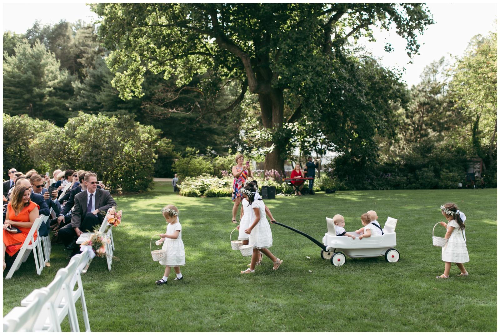 Moraine-Farm-wedding-Bailey-Q-Photo-Massachusetts-wedding-photpgrapher-056.jpg