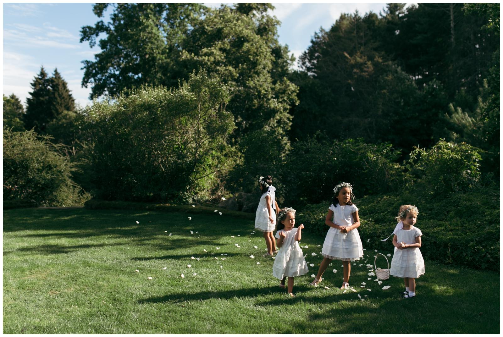 Moraine-Farm-wedding-Bailey-Q-Photo-Massachusetts-wedding-photpgrapher-065.jpg