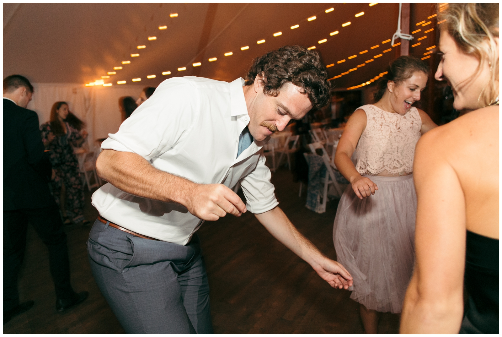 Moraine-Farm-wedding-Bailey-Q-Photo-Massachusetts-wedding-photpgrapher-141.jpg