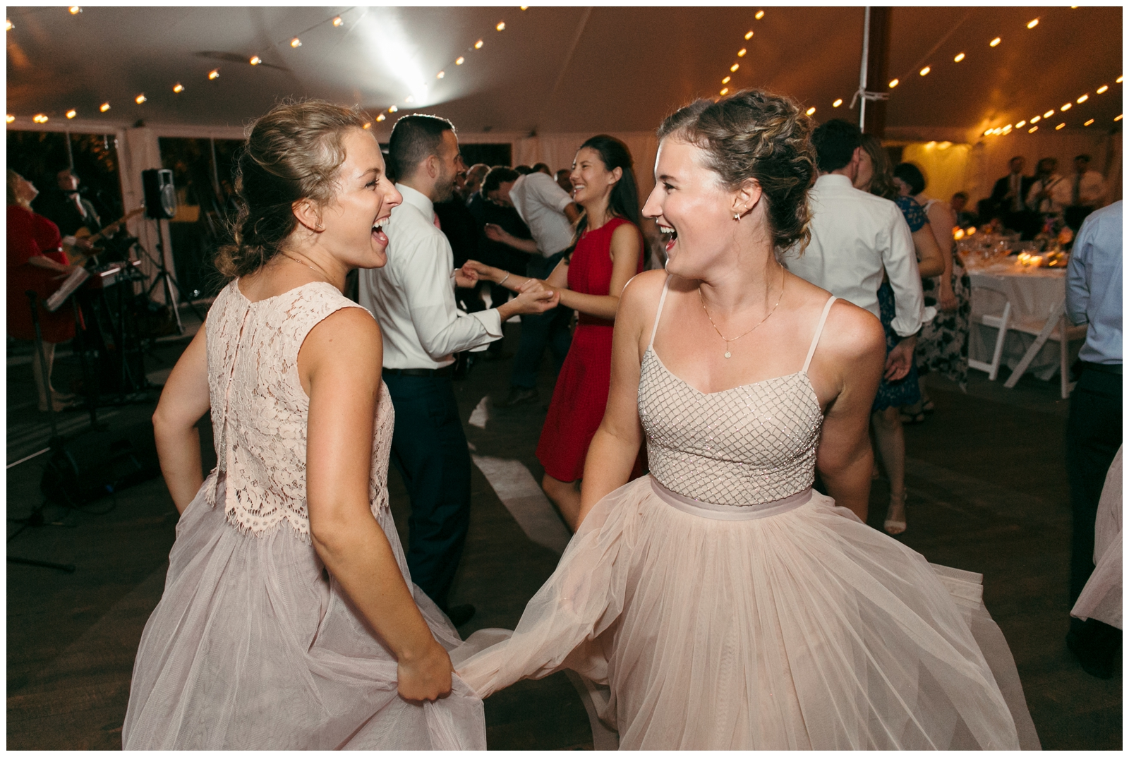 Moraine-Farm-wedding-Bailey-Q-Photo-Massachusetts-wedding-photpgrapher-150.jpg