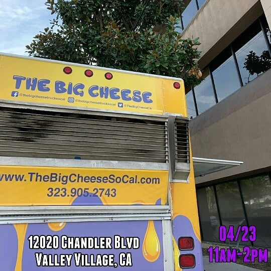 #headsup  #streetstopapp  #thestreetstop  #foodtrucklife  #lafoodtrucks  #LAeats  #streetfood  #orderahead  #skiptheline  #linkinbio  #freeapp . #Repost @thebigcheesetrucksocal (@get_repost) ・・・ Lunch today in Valley Village 🧀#grilledcheese