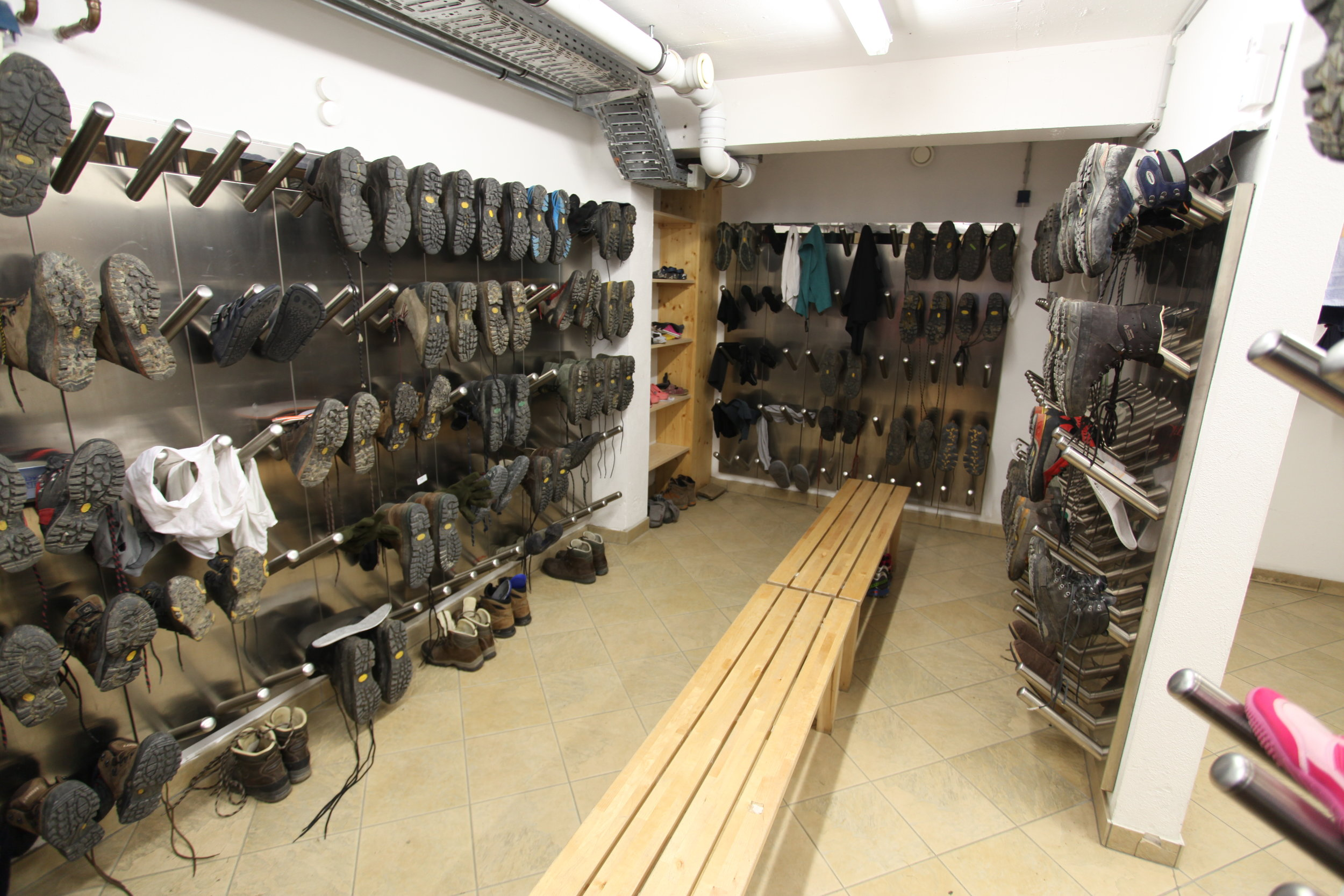 The boot drying room inside Dresdner Hut, I believe.
