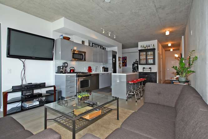 1201 Dundas Street East 412-small-009-9-Main Living Area-666x444-72dpi.jpg