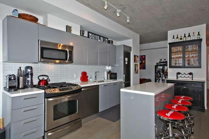1201 Dundas Street East 412-small-011-11-Kitchen-666x444-72dpi.jpg