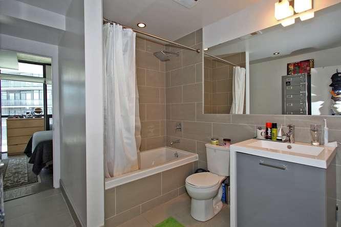 1201 Dundas Street East 412-small-017-17-Main Bathroom-666x444-72dpi.jpg