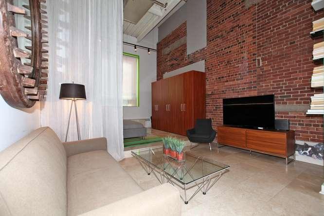115326 Carlaw Ave Toronto ON-small-005-6-Living Room-666x444-72dpi.jpg