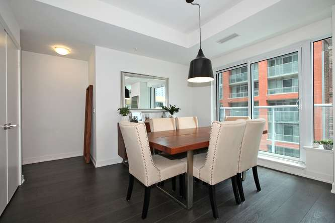 30 Nelson St Unit 423 Toronto-small-009-11-Dining Room-666x444-72dpi.jpg