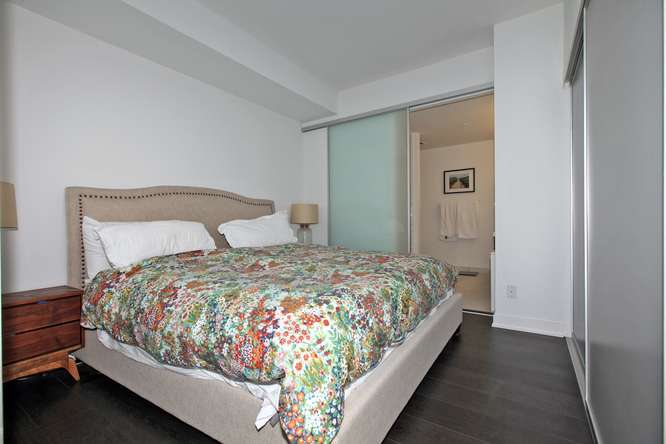 30 Nelson St Unit 423 Toronto-small-019-43-Master Bedroom-666x444-72dpi.jpg
