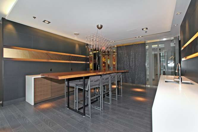 30 Nelson St Unit 423 Toronto-small-035-19-Building  Party Room-666x444-72dpi.jpg