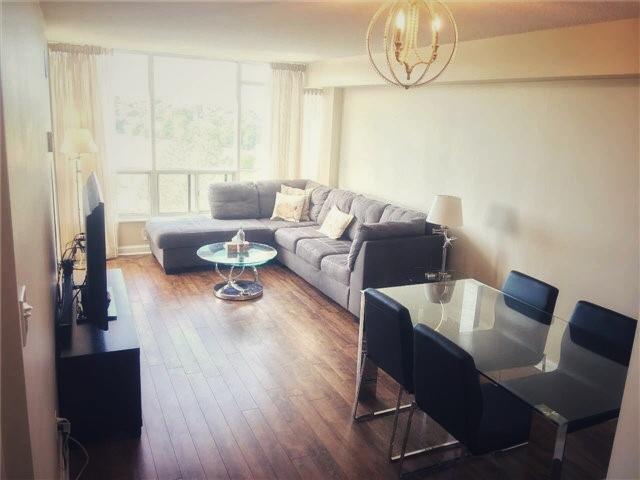 living area- 24 hanover.jpg