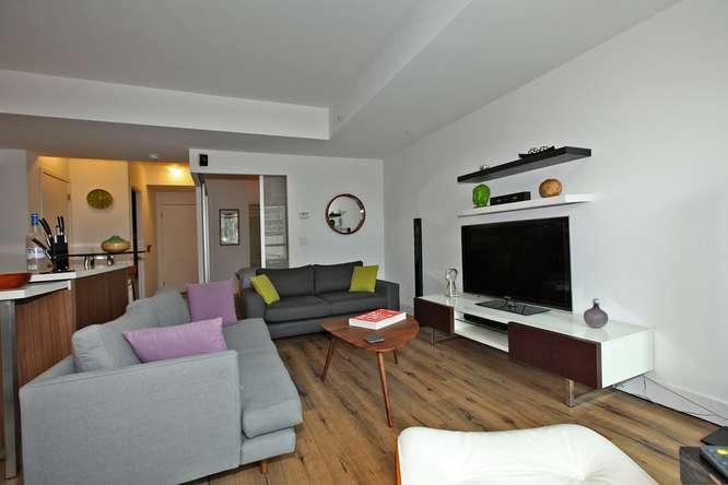 39 Sherbourne 302 Toronto ON-small-010-14-Living Room-666x444-72dpi.jpg
