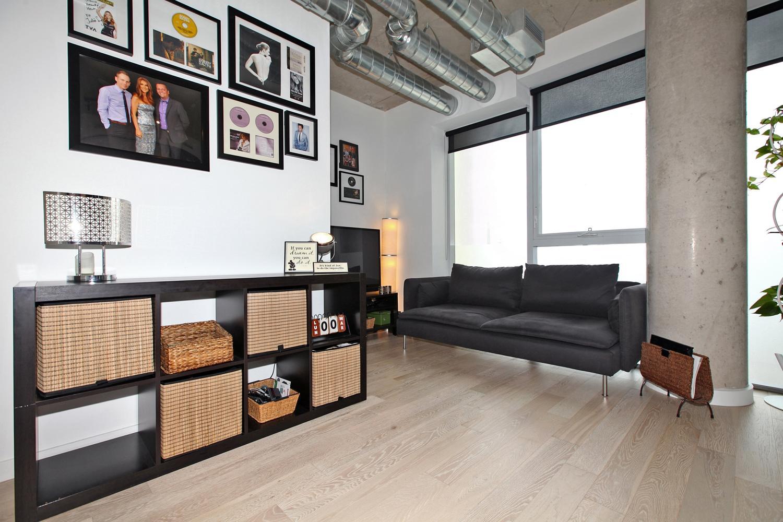 170 Bayview Avw Unit 410-large-009-14-Living Room-1500x1000-72dpi.jpg