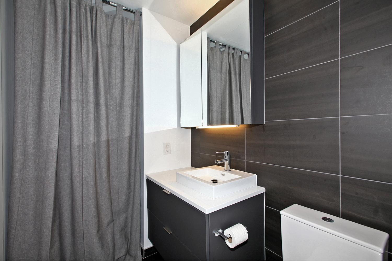 170 Bayview Avw Unit 410-large-024-17-Bathroom-1500x1000-72dpi.jpg