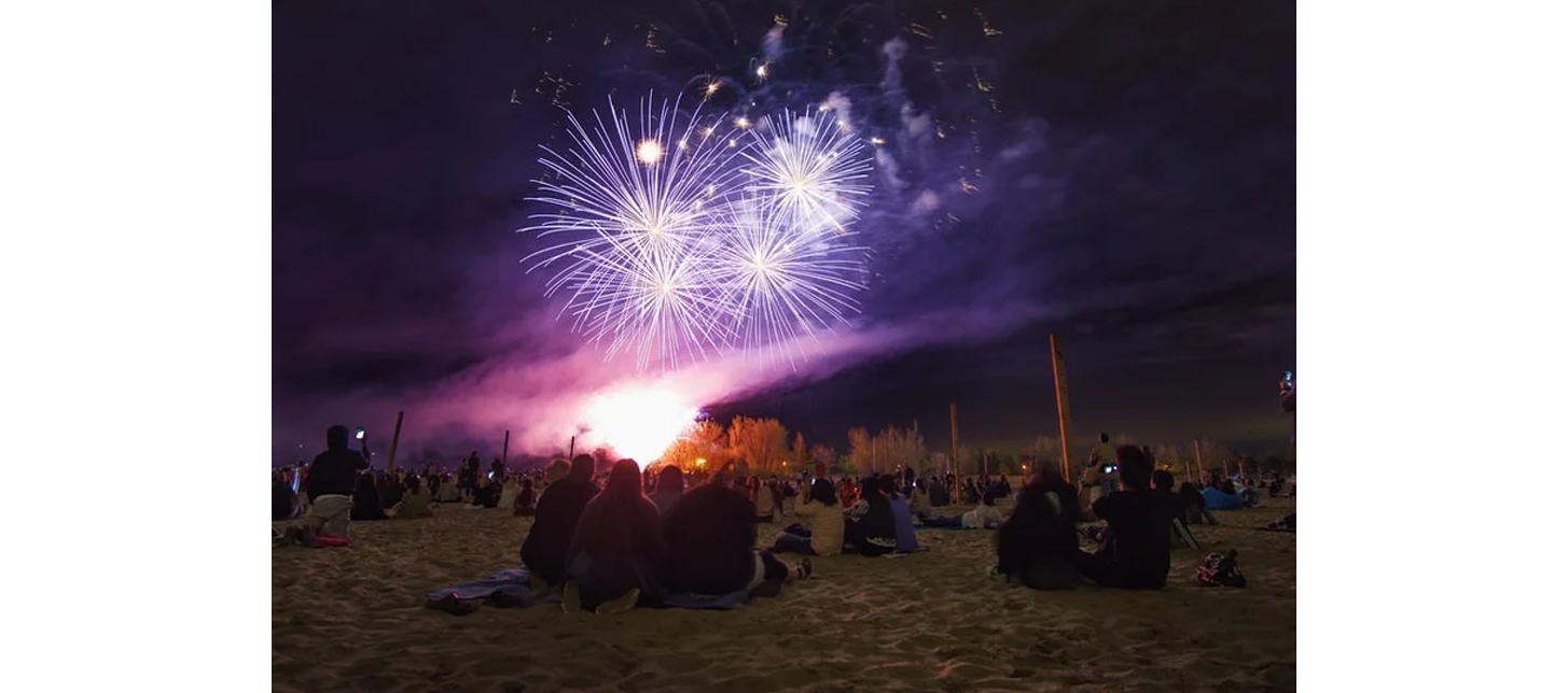 the beaches woodbine victoria day fireworks.png